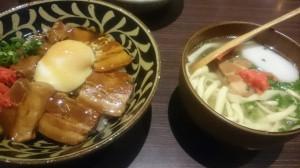 沖縄料理 ラフテーとそば