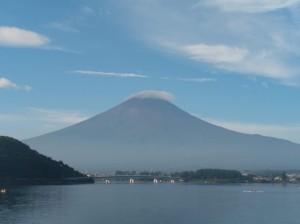 散歩しながら望む富士山
